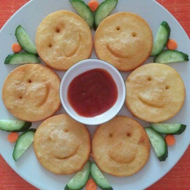自己在家做的可爱土豆娃娃笑脸饼,吃上一口笑哈哈 !