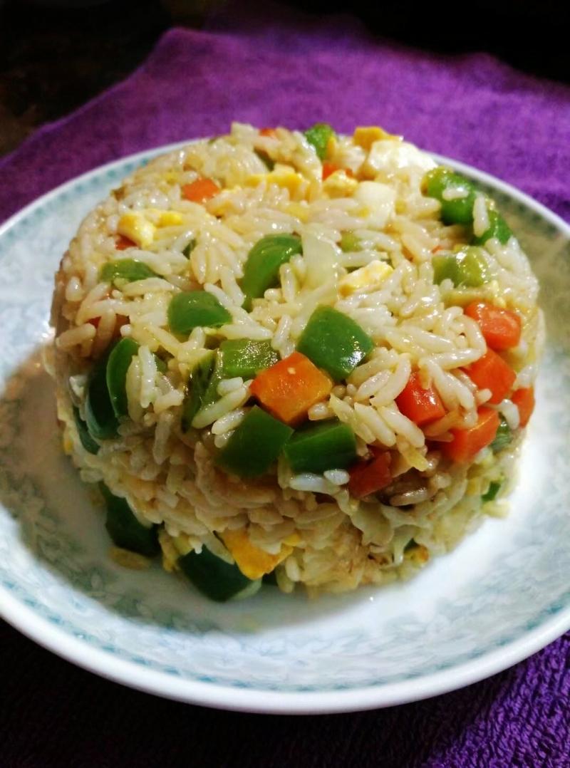 一个人的晚餐也可以既简单又有营养,今晚就上一份~杂菜炒饭