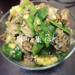 Una一F红烧排骨炖玉米的做法