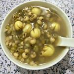 雅纯绿豆薏米粥的做法