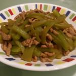 Inge_yy莴笋炒肉丝的做法