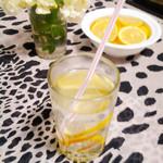 度娘菜园和厨房补充维C的猕猴桃柠檬汁的做法