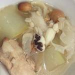 食•色薏米冬瓜排骨汤的做法