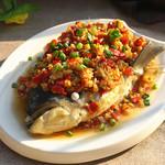 甜盐蜜语剁椒鱼头的做法