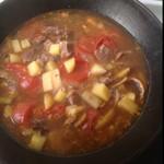 四壁雪西红柿炖牛肉的做法