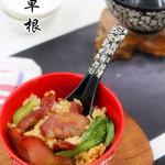 紫默(小草根家庭美食)腊味双拼煲仔饭的做法