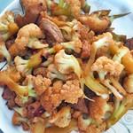 南宫菠萝花菜炒肉片的做法