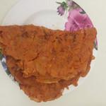 粉红肉丸泡菜饼的做法