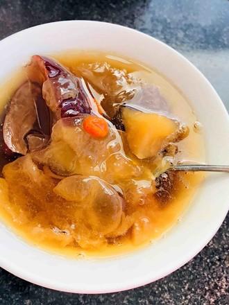 养生红枣苹果银耳羹的做法