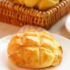 酥皮菠萝面包