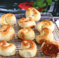 椰蓉脆底小面包