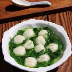 豌豆苗鱼丸汤
