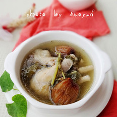 鱼腥草炖鸡汤