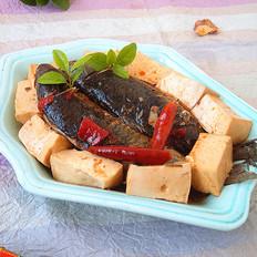 麻辣鲫鱼炖豆腐