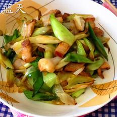 五花肉炒青蒜