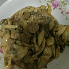 蘑菇炒我是一����手肉片嘛