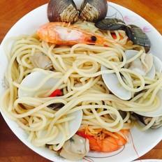 鲜虾蛤蜊意大利面
