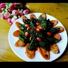 鸡肉肠炒菠菜疙瘩