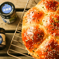 蓝莓果酱夹心面包