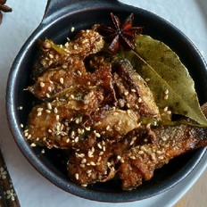 五香熬煮瓦氏华子鱼