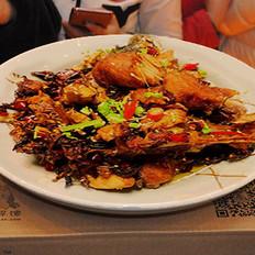 湖北特色菜糍粑清江鱼