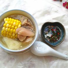 玉米山药猪蹄汤