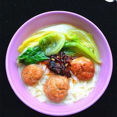 肉圆子热汤面的做法大全