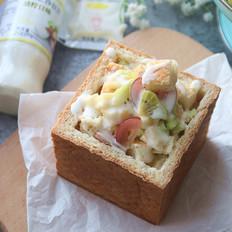 果蔬沙拉吐司堡丘比沙拉汁