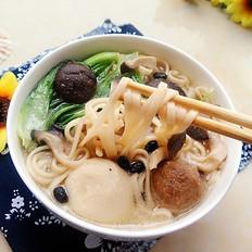 丸子杂菌汤面