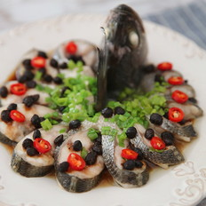 豉汁蒸鲈鱼