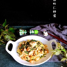 香椿虾仁炒蛋