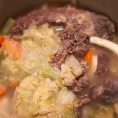 清汤蔬菜炖牛筋腩