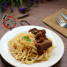 咖喱羊肉烩意面
