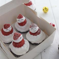 圣诞老人纸杯蛋糕