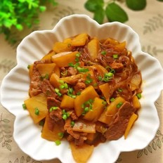 土豆猪肉炖粉条