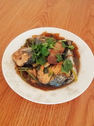 萝卜炖鲅鱼的做法