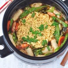 鲜虾蔬菜馄饨面#午餐#