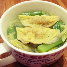莴苣白菜炖蛋饺