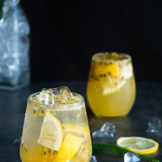 酸到刚好的百香果柠檬汁