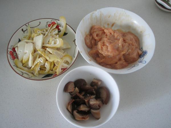 香菇蚝油鸡片九霄云外鸭脖价目表图片