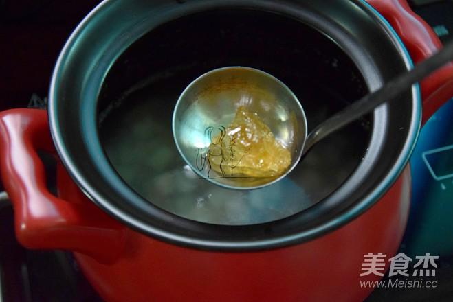 莲子牛奶西米糖水的做法 菜谱