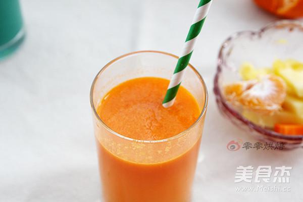 菠萝胡萝卜生姜果汁的做法【步骤图】_菜谱_美食杰