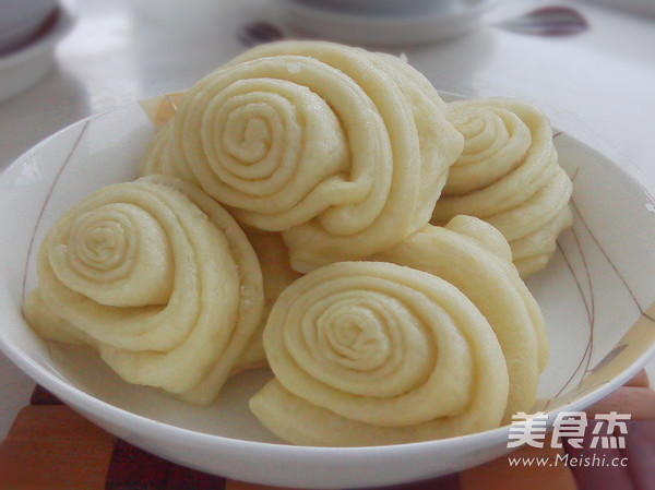 油盐花卷的做法【步骤图】_菜谱_美食杰