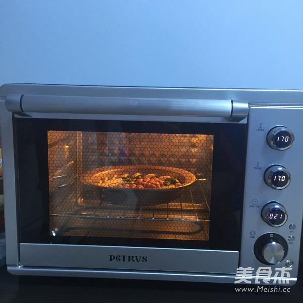 预热柏翠pe5386电烤箱170度,热好放烤箱底层,上下火烤22分钟左右