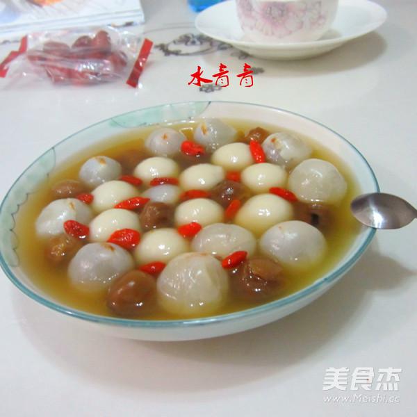荔枝桂圆煮汤丸的做法