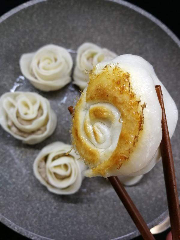 水煎玫瑰花饺的做法【步骤图】_菜谱_美食杰