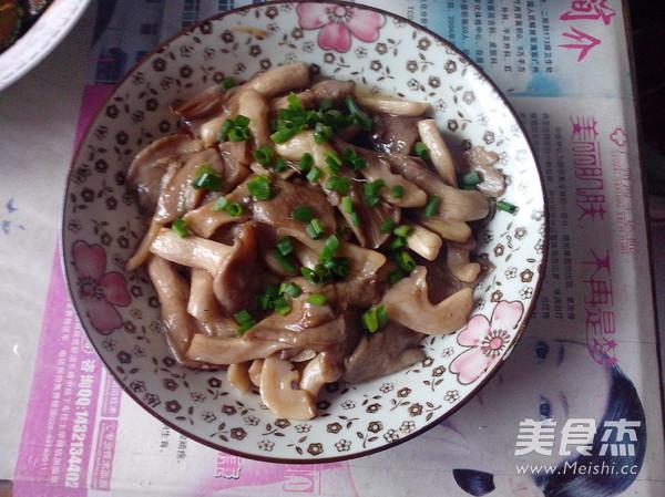 清炒蘑菇的做法【步骤图】_菜谱_美食杰
