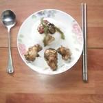 七朵水仙花黄焖鸡米饭的做法