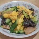 杰米田园洋葱青椒炒蛋的做法