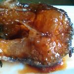 上海五香豆花雕熏鱼的做法